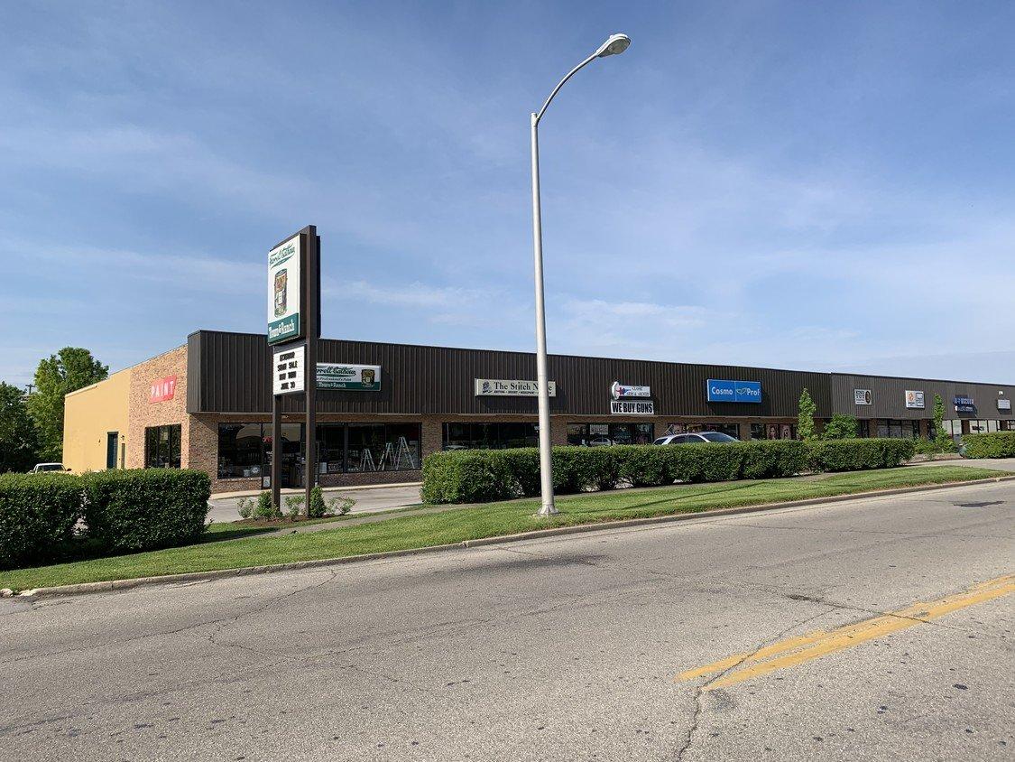 180 Moore Dr Lexington Ky 40503 Retail Space For Lease